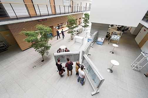 View into the foyer of building 4 at the Göppingen Campus